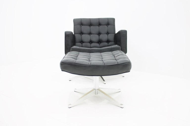 Vincent Cafiero Leather Lounge Chair with Stool, Knoll International, 1960s In Good Condition For Sale In Frankfurt / Dreieich, DE