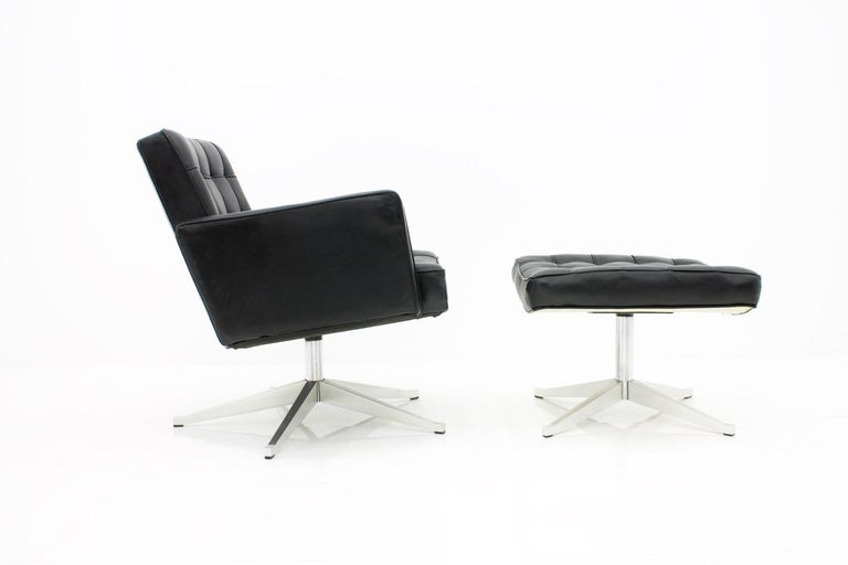 Mid-20th Century Vincent Cafiero Leather Lounge Chair with Stool, Knoll International, 1960s For Sale