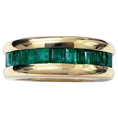 Vintage 1.00 Carat Green Emerald Band Ring