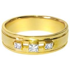 Vintage 0.55 Carat Diamond and Yellow Gold 3-Stone Ring