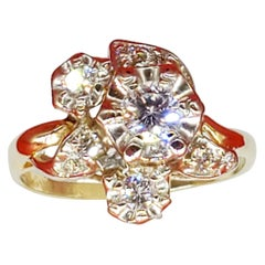 Vintage 1 Carat Diamonds Flower Cluster Ring 18 Karat Gold