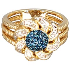 Vintage 1.00 Carat Blue and White Diamonds Flower Cocktail Cluster Ring 14 Karat