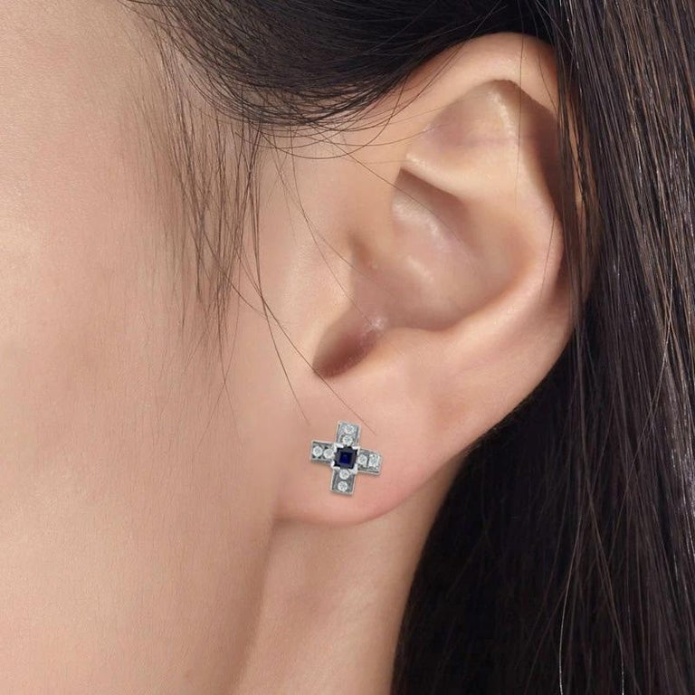Vintage 1.00 Carat Diamond and Blue Sapphire Stud Earrings In Excellent Condition For Sale In Miami, FL