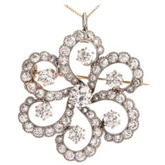 Vintage 1040s Floral Motif Diamond 18 Karat Platinum Pendant Brooch