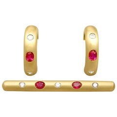 Vintage 1.05 Carat Ruby and Diamond Yellow Gold Earring and Brooch Set