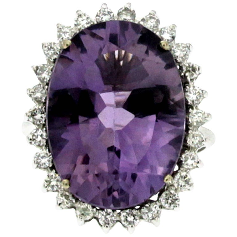 Vintage 11 Carat Amethyst Diamond Gold Ring