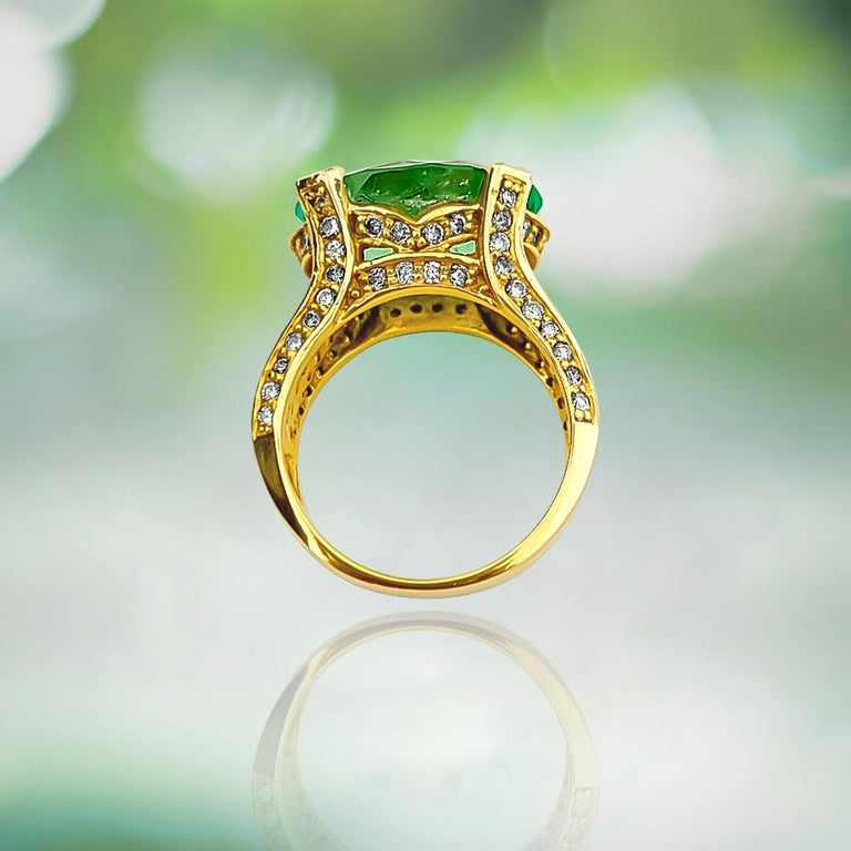 Oval Cut Vintage 11.50 Carat Colombian Emerald and Diamond Ring For Sale