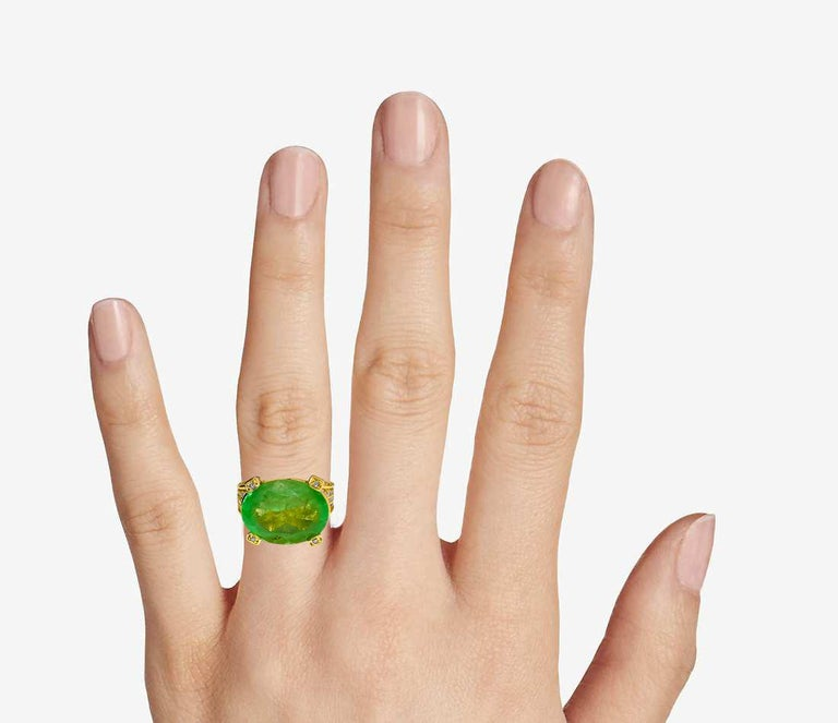 Vintage 11.50 Carat Colombian Emerald and Diamond Ring For Sale 1