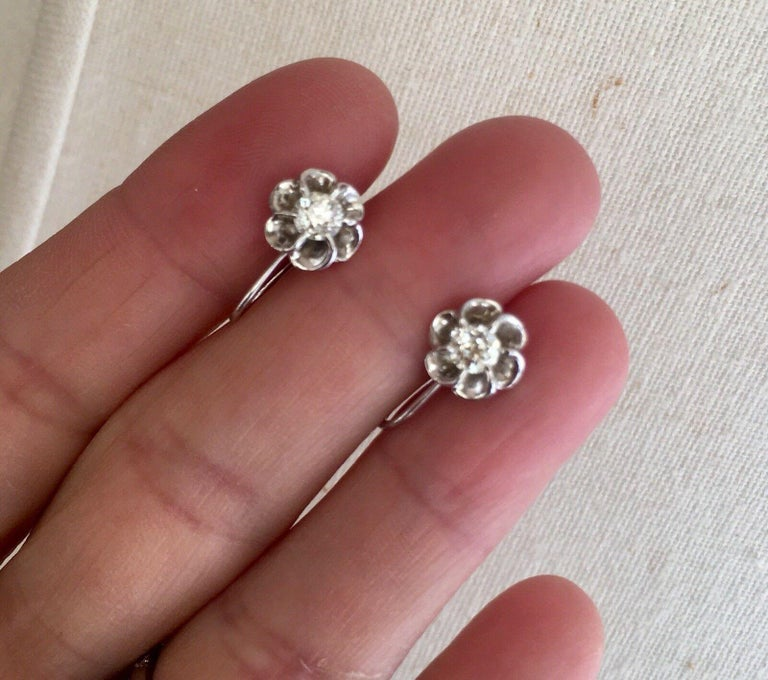 Vintage 14 Karat Gold 0.60 Carat Mine Cut Diamond Studs or Earrings In Excellent Condition For Sale In Shaker Heights, OH