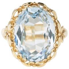 Vintage 14 Karat Yellow Gold 5 Carat Oval Cut Aquamarine Ring
