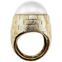 Vintage 14 Karat Yellow Gold Mabe Pearl Ring