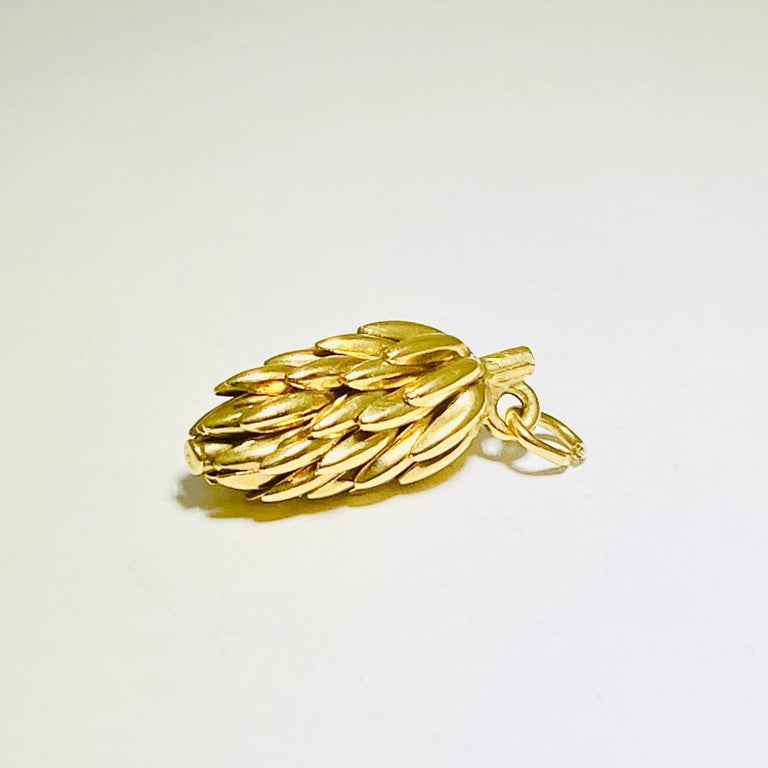Vintage 14 Karat Yellow Gold Solid Banana Bunch Charm In New Condition In Austin, TX