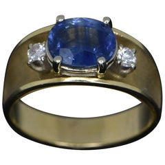 Vintage 14 Karat Yellow Gold with Blue Sapphire and Diamonds Ring