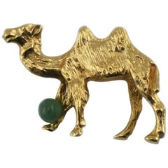 Vintage 14 Karat Gold Double Hump Camel Pin Brooch with Jade Accent