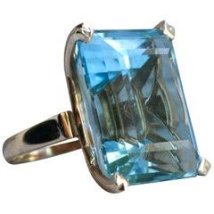 Vintage 14 Karat Yellow Gold Aquamarine Ring, 48.00 Carat