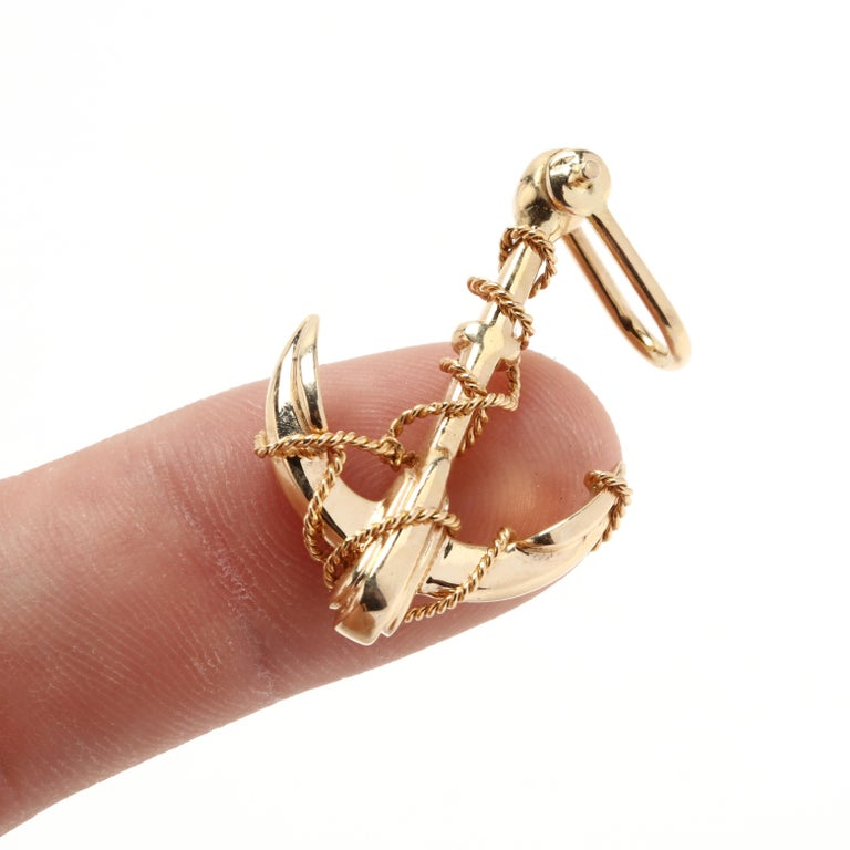 Vintage 14 Karat Yellow Gold Solid Anchor Charm / Pendant In Good Condition In McLeansville, NC