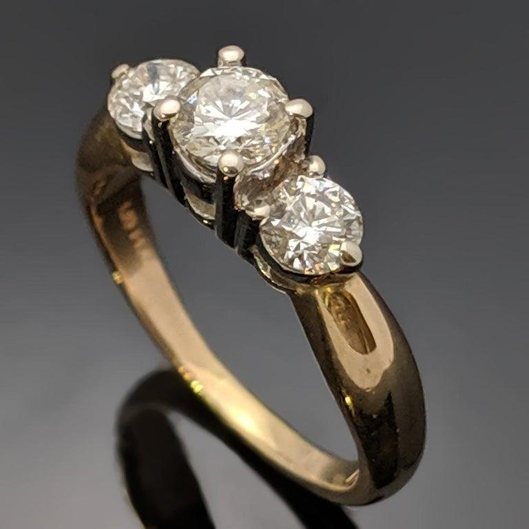 Retro Vintage 14 Karat Yellow Gold Diamond Ring For Sale