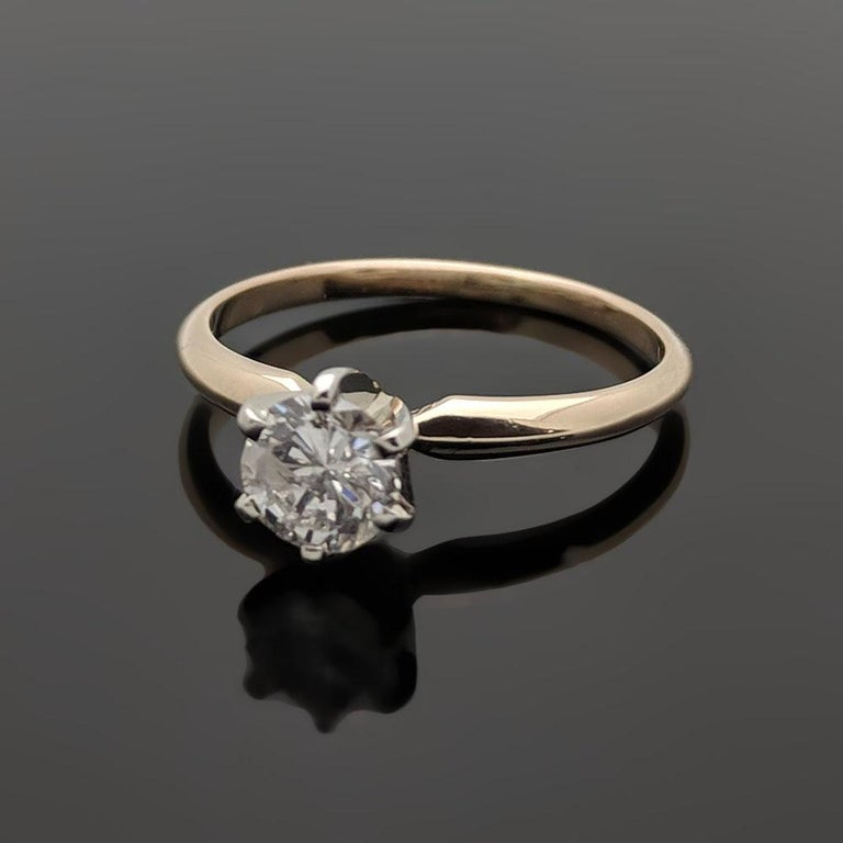 Round Cut Vintage 14 Karat Yellow Gold Diamond Ring For Sale