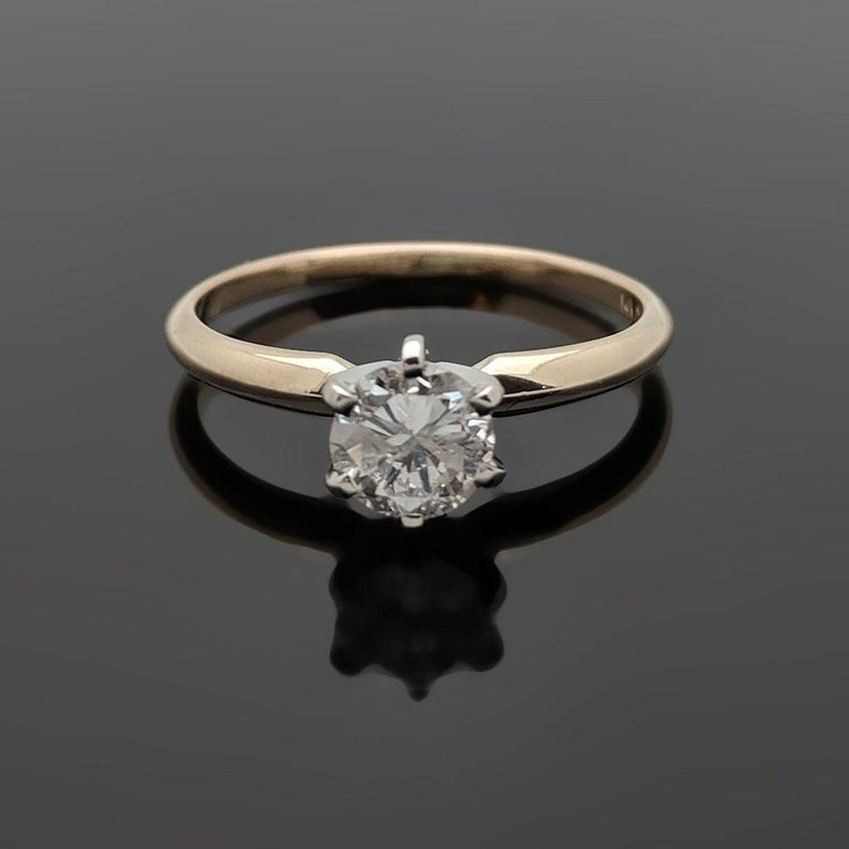 Vintage 14 Karat Yellow Gold Diamond Ring In Excellent Condition For Sale In Los Angeles, CA