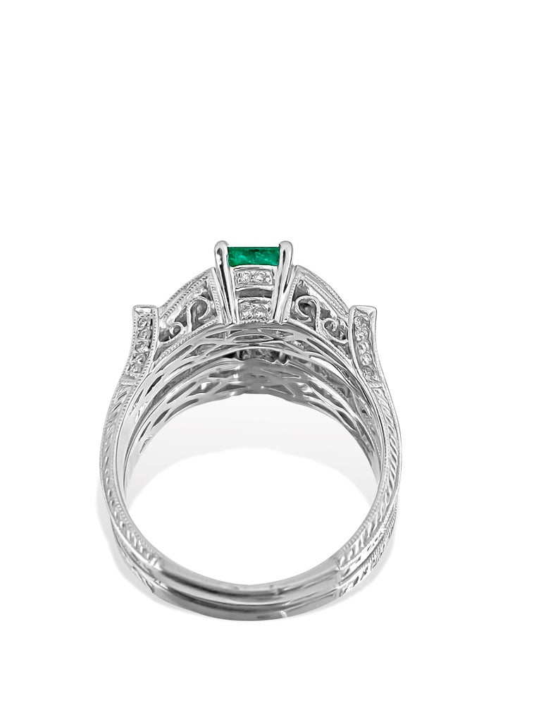 Vintage 1.50 Carat Colombian Emerald Diamond Cocktail Engagement Ring In New Condition For Sale In Miami, FL