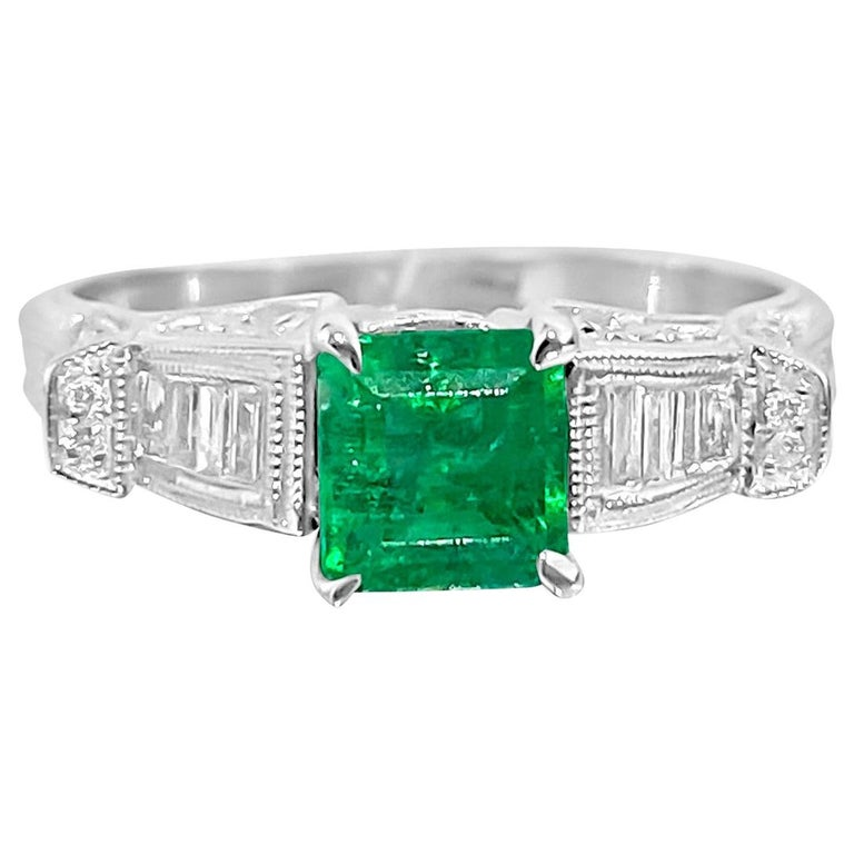 Vintage 1.50 Carat Colombian Emerald Diamond Cocktail Engagement Ring For Sale
