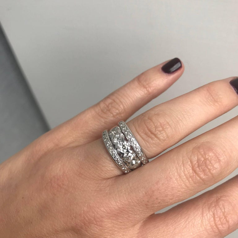 Vintage 1.50 Carat Diamond Gold Band Ring For Sale 2