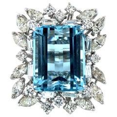 Vintage 16 Carat Aquamarine and Diamonds Cocktail Ring in 14 Karat White Gold