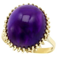 Vintage 16.13 Carat Cabochon Amethyst and Yellow Gold Cocktail Ring