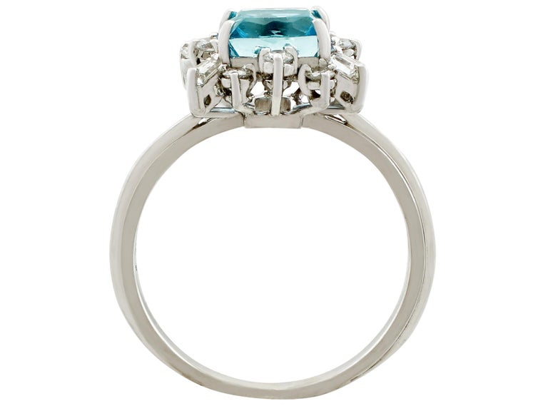 Women's or Men's Vintage 1.77 Carat Aquamarine Diamond White Gold Cocktail Ring For Sale
