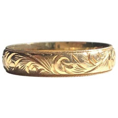 Vintage 18 Carat Gold Decorative Band