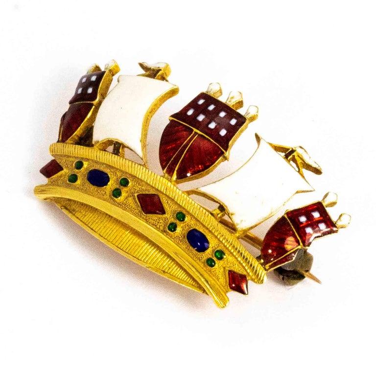 Women's or Men's Vintage 18 Carat Gold Enameled Crown Brooch For Sale