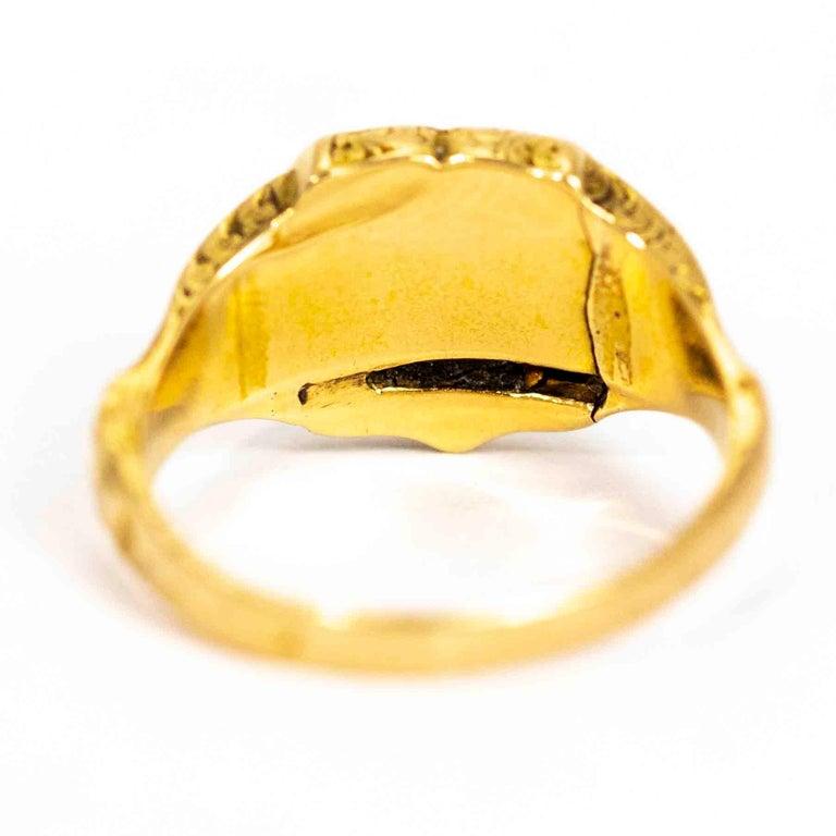 Women's or Men's Vintage 18 Carat Gold Lapis Lazuli Shield Signet Ring