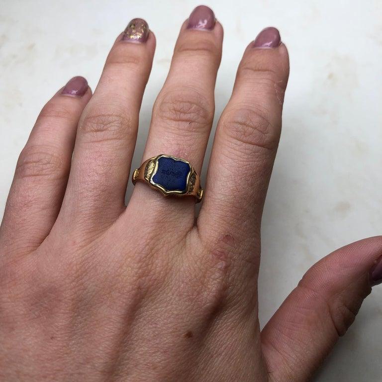 Vintage 18 Carat Gold Lapis Lazuli Shield Signet Ring 3