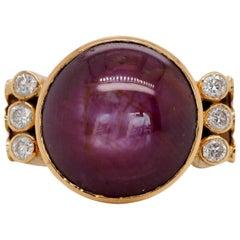 Vintage 18 carat Star Ruby and Diamond Ring in 18 Karat Yellow Gold
