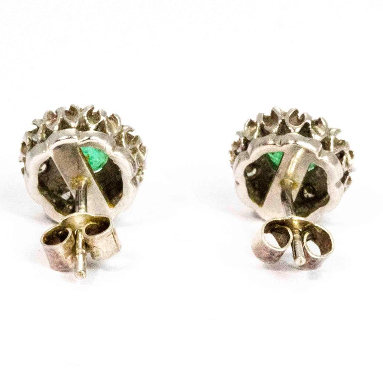 Vintage 18 Carat White Gold Emerald and Diamond Cluster Earrings In Good Condition For Sale In Chipping Campden, GB