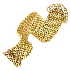 Vintage 18 Carat Yellow Gold Mesh and Diamond Buckle Bracelet, circa 1950s