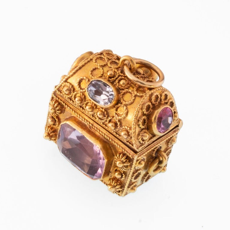 Vintage 18 Karat Gemstone Treasure Chest Charm Pendant In Excellent Condition For Sale In New York, NY