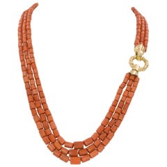 Vintage 18 Karat Gold and Coral Beaded Necklace, 1950s