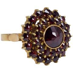 Vintage 18 Karat Gold and Garnet Ring, 1950s