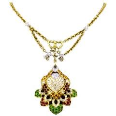 Vintage 18 Karat Gold Ladies Necklace with Heart Pendant