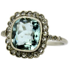 Vintage 18 Karat Gold Ladies Ring, with Natural Aquamarine and Diamonds, 1950s