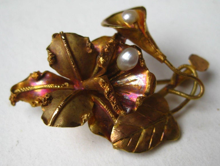 Exquisite vintage 18-karat yellow gold tropical orchid brooch is 1 15/16