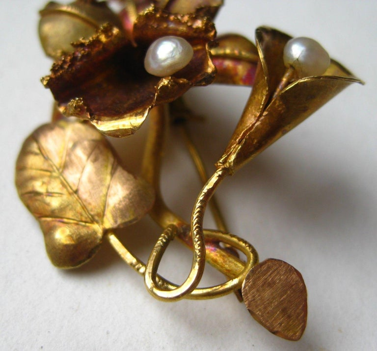 Mid-Century Modern Vintage 18-Karat Gold Tropical Hawaiian Orchid Freshwater Pearl Brooch Pin For Sale