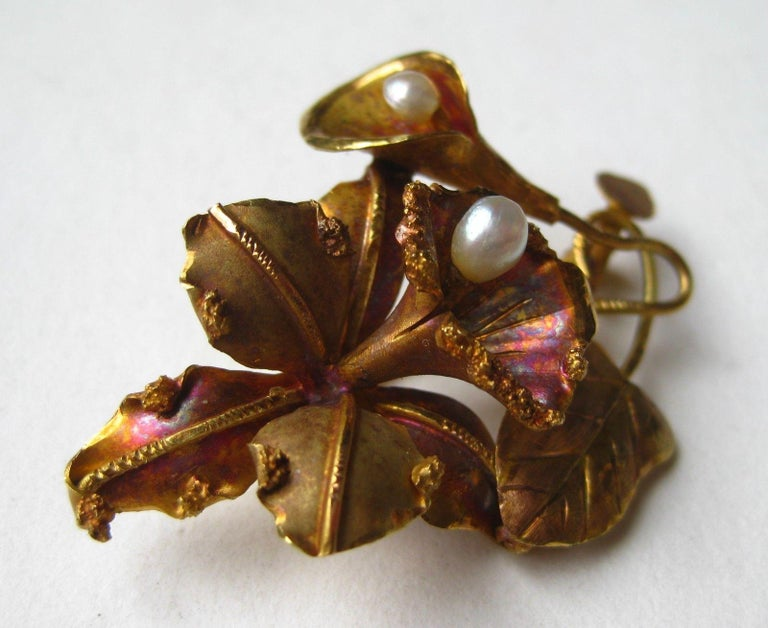 Vintage 18-Karat Gold Tropical Hawaiian Orchid Freshwater Pearl Brooch Pin For Sale 2
