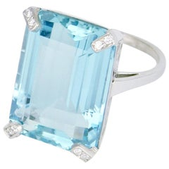 Vintage 18 Karat White Gold Aquamarine and Diamond Ring, 1970s