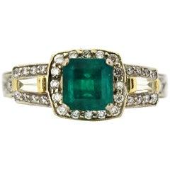 Vintage 18 Karat White Gold Ladies Ring with Natural Emerald and Diamonds