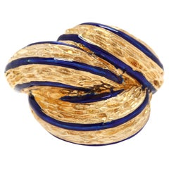 Vintage 18 Karat Yellow Gold and Blue Enamel Dome Knot Ring