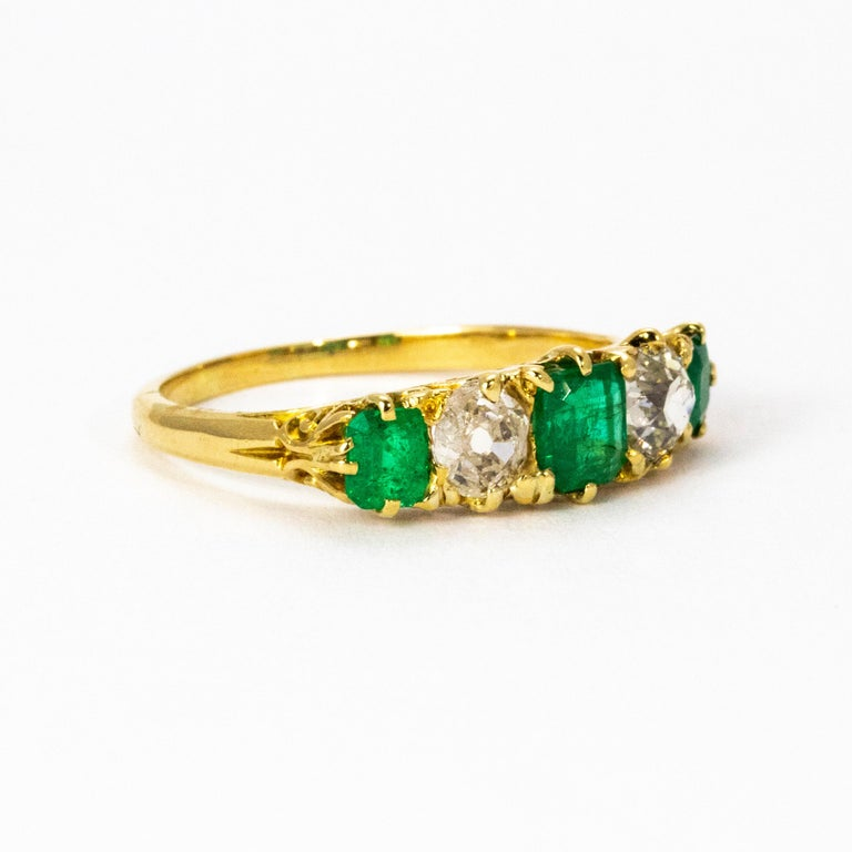 Women's or Men's Vintage 18 Karat Yellow Gold Diamond and Emerald Five-Stone Ring For Sale