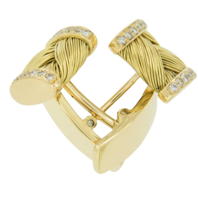 Vintage 18 Karat Yellow Gold Diamond Cufflink and Shirt Stud Set In Good Condition For Sale In Troy, MI