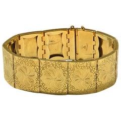 Vintage 18 Karat Yellow Gold Hand Engraving Bracelet
